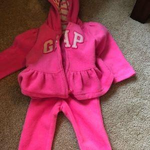 Baby Gap fleece sweat suit hot pink sz 12-18 mths
